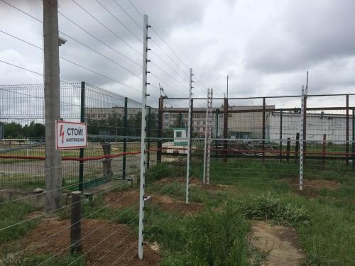 Электрошоковое средство охраны периметра нелетального воздействия УДАР